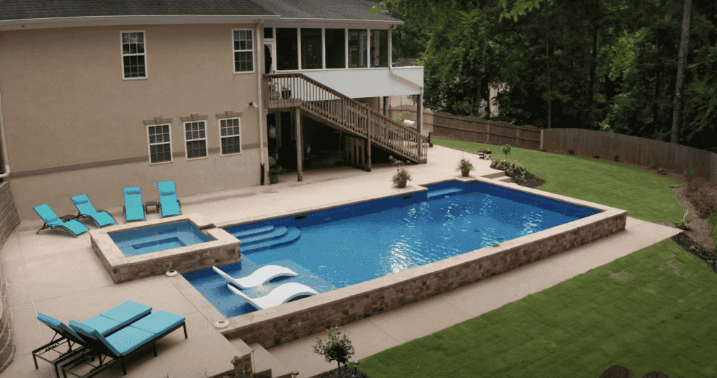 Modern & Beautiful Outdoor Swimming Pool by J&M Pool Company